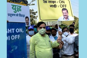 Delhi Government launches 'Red Light On, Gaadi Off' campaign to curb pollution