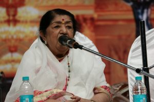Lata Mangeshkar pays tribute to Ashok Kumar, Kishore Kumar on birth and death anniversary