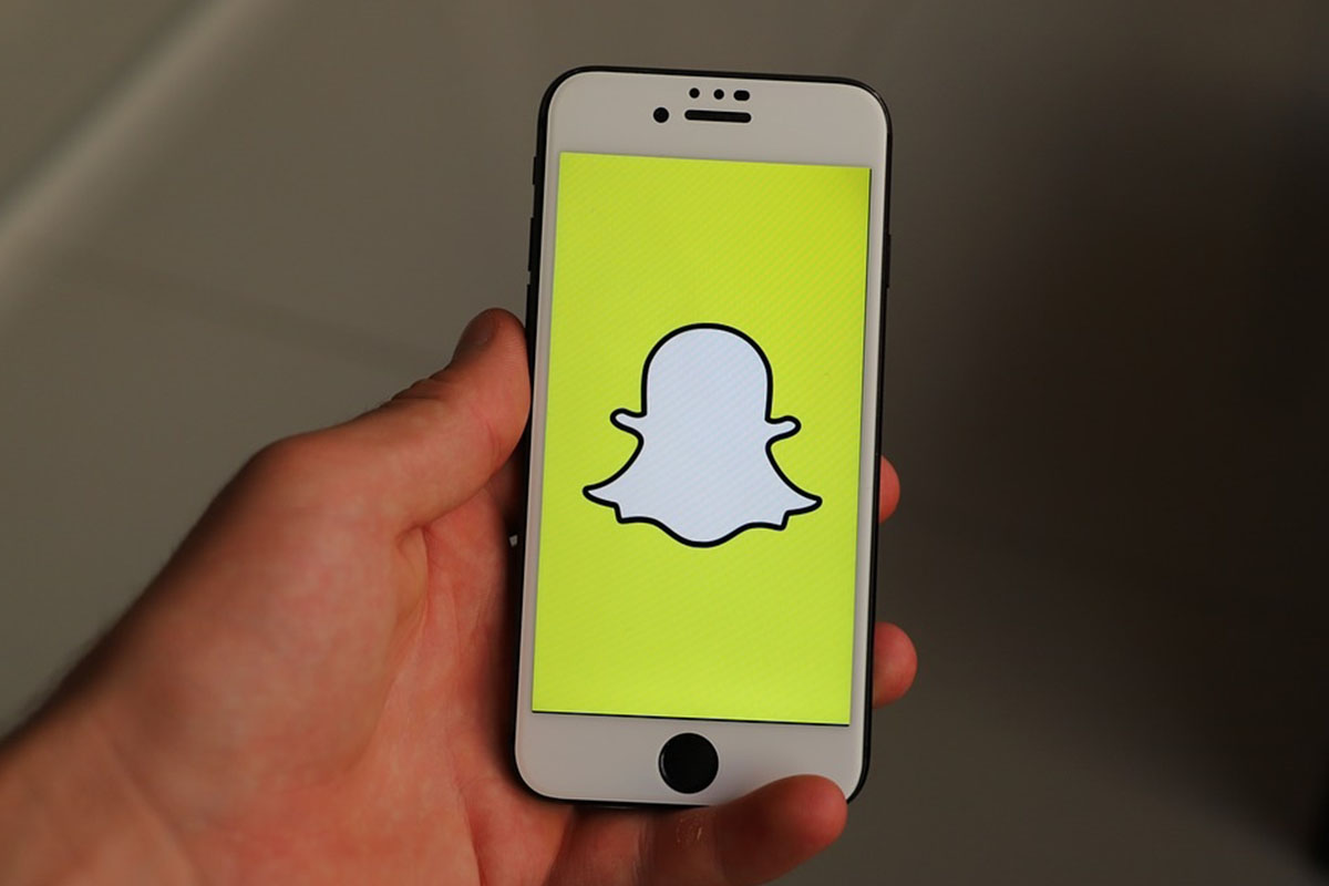 Snapchat, Active user base, Q3 sales, Augmented Reality (AR), Evan Spiegel