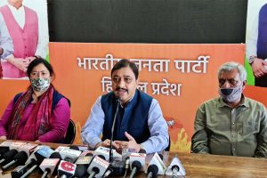 Himachal BJP chief hits out at Uddhav over 'ganja fields' barb