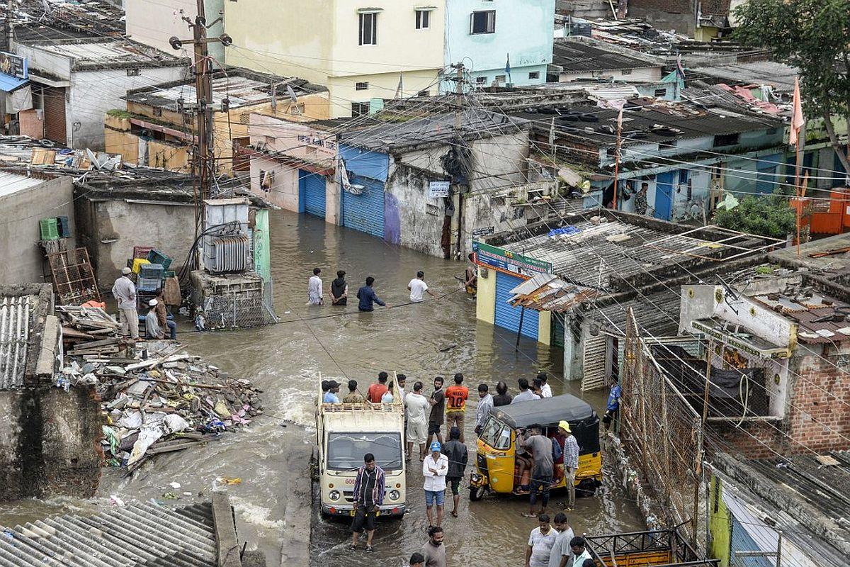 Telangana chief minister K Chandrasekhar Rao, immediate relief and rehabilitation, TRS MLA, heavy rains, flash flood,