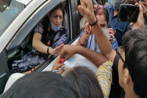 Smriti Irani's convoy 'gheraoed' by Congress workers in Varanasi soon after remarks on RaGa's Hathras visit