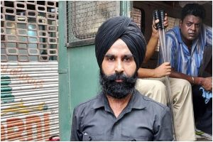 Team of Sikh committee in Kolkata to complain against Police for disrespecting Pagdi