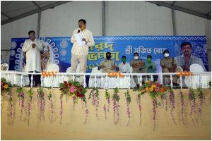 TMC felicitates priests in Kolkata as BJP accuses ruling party of communal politics