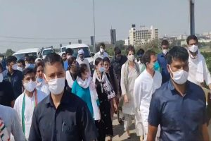 Rahul Gandhi, Priyanka Gandhi start foot-march to Hathras after convoy stopped enroute
