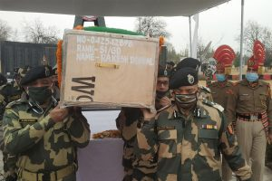 Army, BSF pays tributes to martyrs in Srinagar
