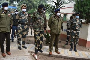 J&K DGP reviews security on India-Pakistan border