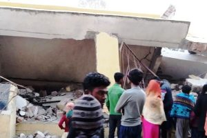 Naxals blow up community building in Bihar even as state gets new CM today