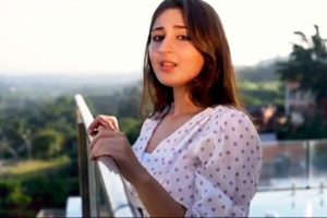 Dhvani Bhanushali unveils reprised version of 'Tum hi aana'