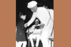 When Nehru gave his red rose to Sachin