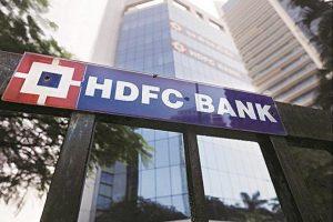 HDFC Bank m-cap rises to Rs 8 lakh crore mark