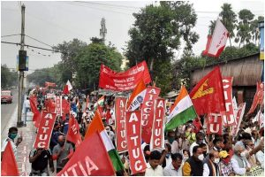 Sporadic violence but no major issue in Left-Congress' All India Strike in West Bengal