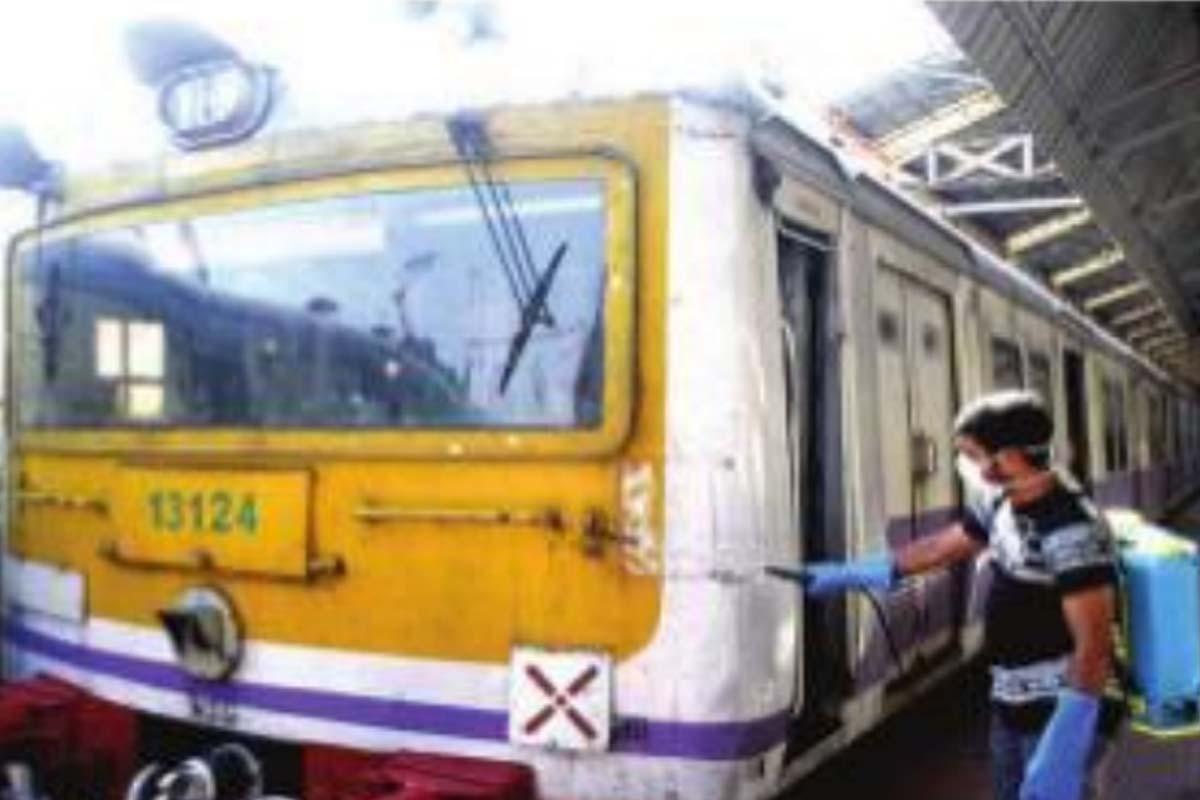 Covid norms violation, local trains