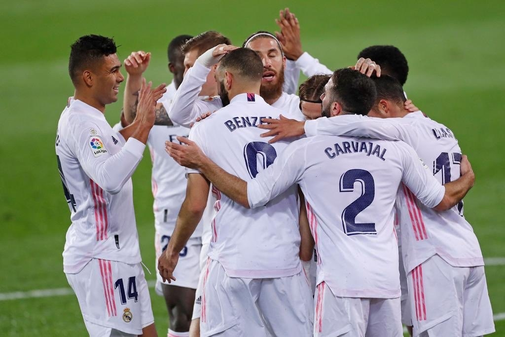 Real Madrid Ease Past Granada To Join Atletico Madrid At Top