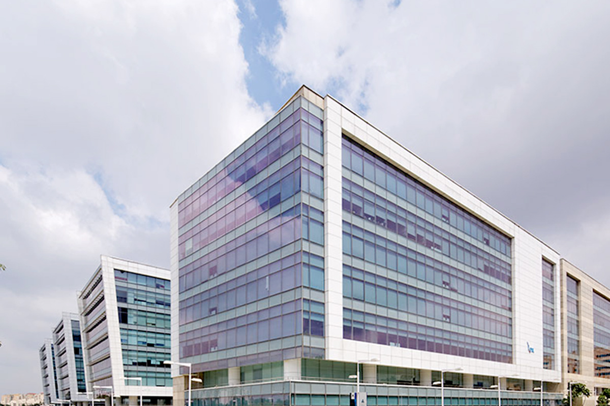 Embassy REIT, fund acquisition, IT park