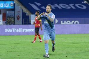 ISL: Adam Le Fondre lead Mumbai Indians to dominating 3-0 win over SC East Bengal