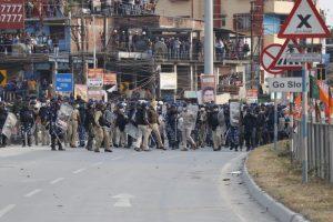 Cops stop BJP Uttarkanya march; one killed