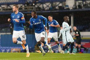 Premier League: Manchester neighbours play goalless derby; Everton hand Chelsea shock defeat