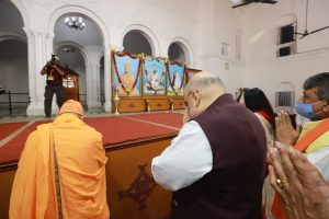 Amit Shah visits Swami Vivekananda's birthplace before travelling to Midnapore