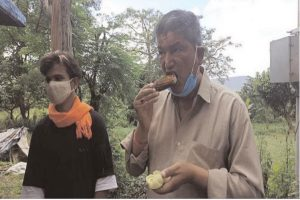 Harish Rawat to host citrus eating competition on 18 Dec