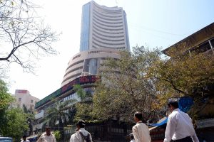 Sensex, Nifty dips 0.26%; IT stocks outperform
