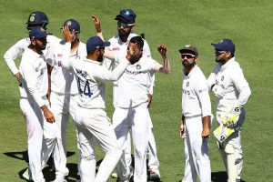 AUS vs IND: India set to go for win after reaching 183/3 at Tea on Day 5 of 4th Test