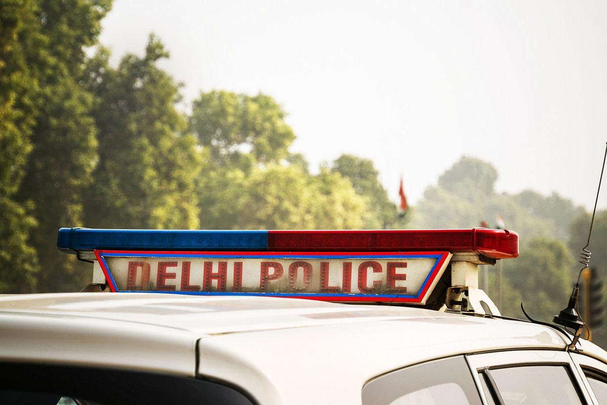Stabbed, Delhi, Delhi man, murder, Safdarjung hospital