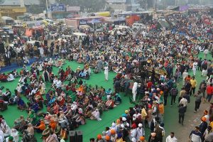 After rounds of failed talks, protesting farmers blocks Delhi-Jaipur highway