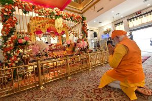 PM Modi visits Gurudwara Rakabganj to pay tributes to Guru Tegh Bahadur for his supreme sacrifice