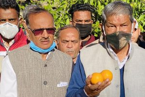 Har Da hosts citrus eating competition, hits BJP for neglecting local products