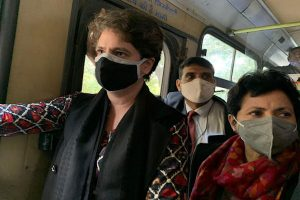 Congress leaders on way to meet President over farm laws stopped by Delhi Police; Priyanka Gandhi detained