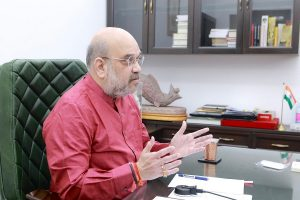 As agitation reaches its peak with Bharat Bandh, Amit Shah calls farmers for meeting at 7 pm today