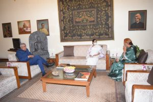 Mamata Banerjee pays sudden 'courtesy visit' to West Bengal Governor Jagdeep Dhankhar