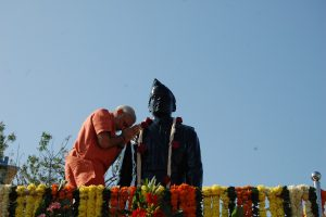 PM Modi wishes to build self-reliant India through 'thoughts and ideals of Netaji'