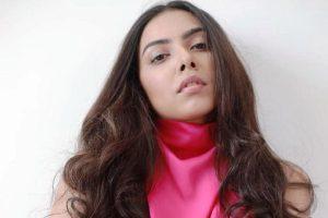 Fashion influencer Akshaya Alshi creates unique fashion and beauty ideas