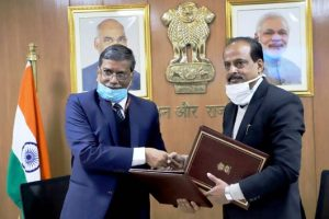 Ministry of Road Transport & Highways and IIT Roorkee sign MoU
