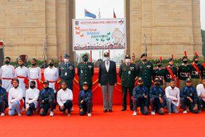 Defence secretary inaugurates Swachhata Pakhwadaat India Gate and Rajpath