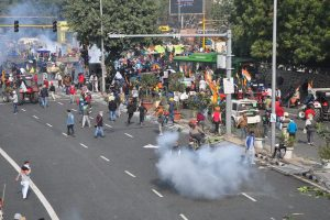 Tractor Rally: More than 300 cops injured in violent clashes with farmers, 22 FIRs filed