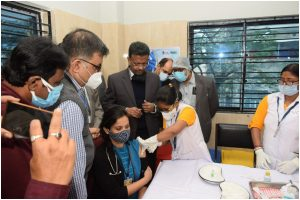 COVID-19 vaccination drive starts in 212 centres across West Bengal