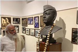 PM Modi starts Kolkata tour with visit to Netaji Bhawan; next stop National Library