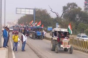 Tractors line up in Delhi ahead of #farmersparade on Republic Day