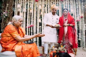 Dia Mirza thanks female priest who conducted her wedding rituals