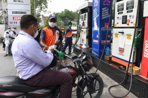 Petrol prices unchanged across metros for 8th day