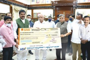 MCA presents Rs One crore cheque to Chief Minister's Relief Fund