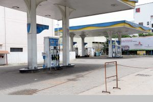 Petrol crosses Rs 95/litre in Mumbai, nears Rs 90 in Delhi