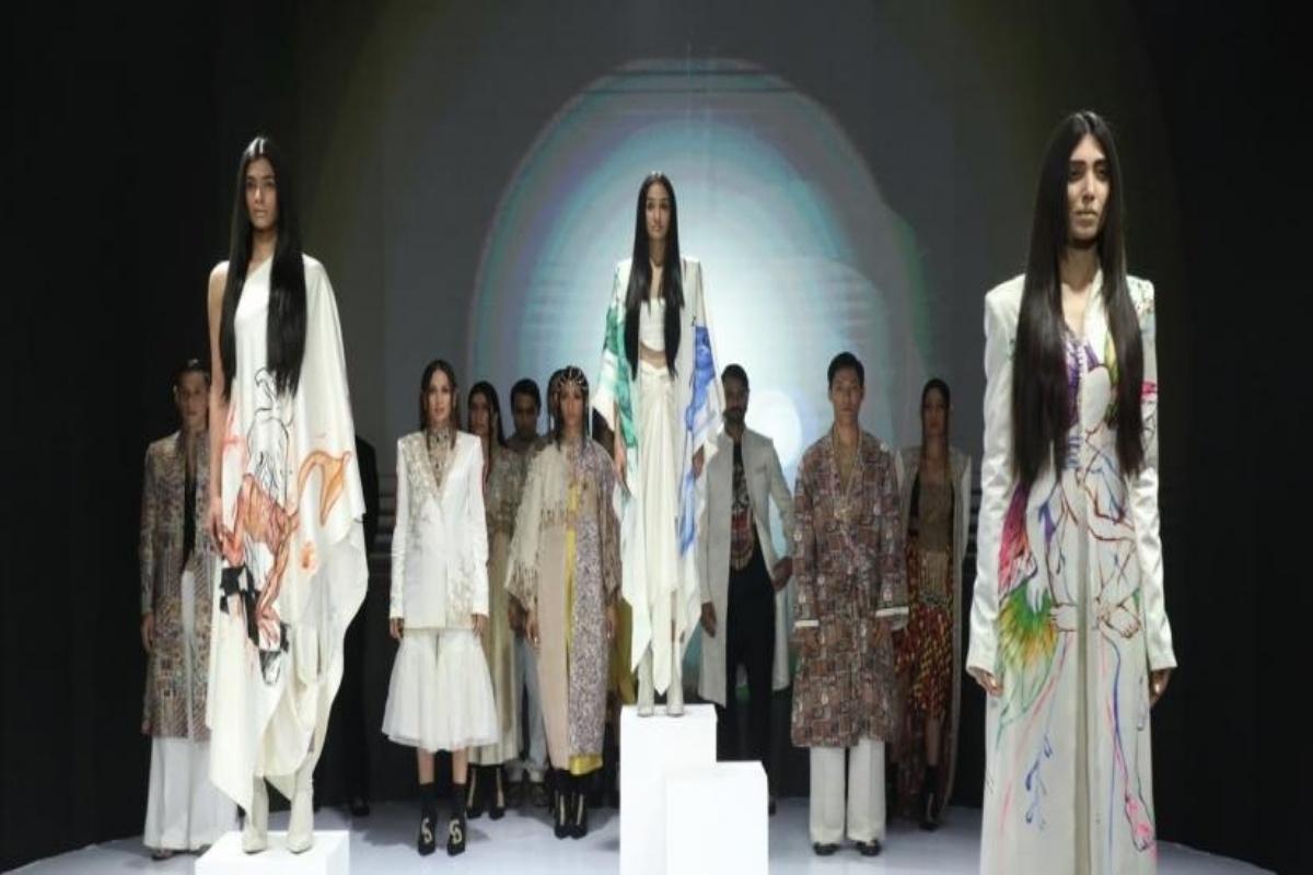 Anamika Khanna opens FDCI x LFW joint fashion week.(photo:IANSLIFE)