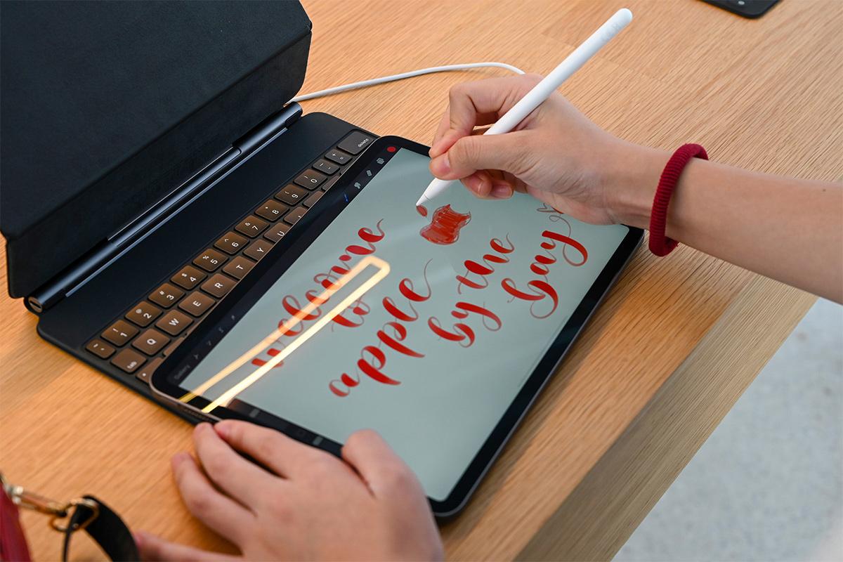 iPad Air, Apple, OLED