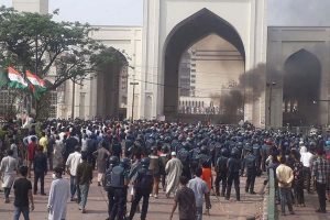 Radical Islamists clash with cops in Bangladesh amid PM Modi visit