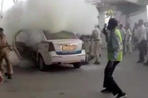 Bengaluru cab driver commits suicide over rising fuel costs