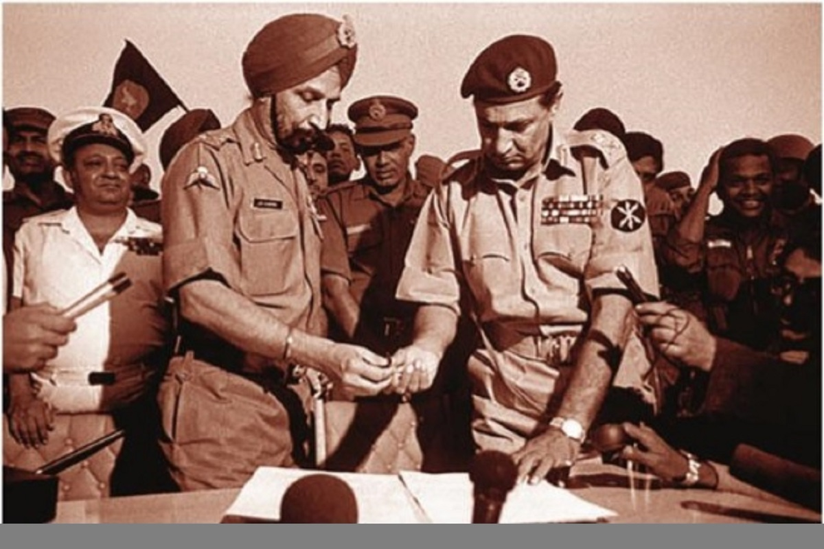 Drawing lessons from ugliness of the past, Swarmin Vijay Mashaal, Vijay Diwas, Indian Army, Mukti Bahini